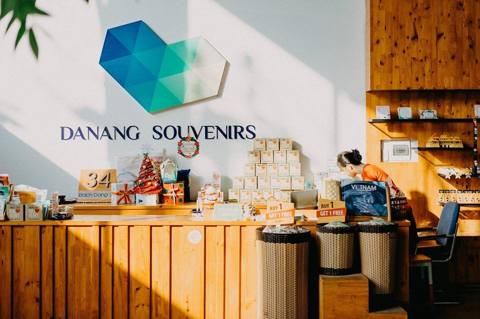 Danang Souvenirs & Coffee