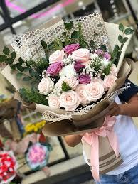 Shop Hoa Peony Floris