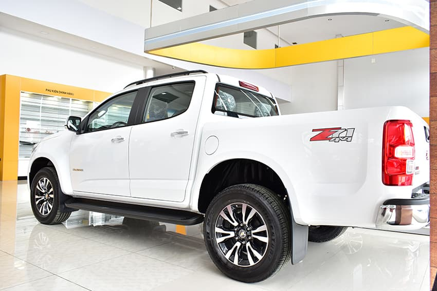 Xe Chevrolet Colorado 2020